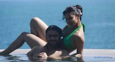 Foto Hot Seksi Bikini Mouni Roy bersama pacarnya Artis Pemeran Dewi Sati di Serial Mahadewa