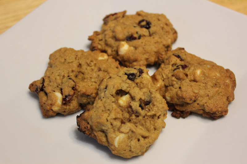 THE BUSY MOM CAFE: Oatmeal Cranberry White Chocolate Chunk Cookies