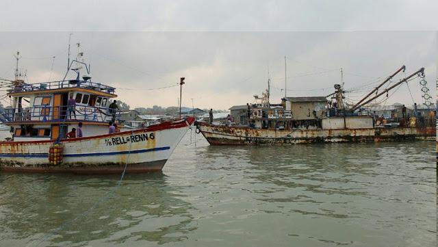 TNI AL Tangkap 4 Kapal Nelayan Ilegal Berbendera Filipina