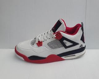Sepatu Basket Air Jordan IV Retro. importsepatu.com
