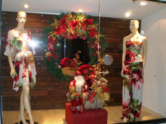 decorar arvore natal simples:Como decorar vitrines – Dicas para vitrines de NATAL!!!