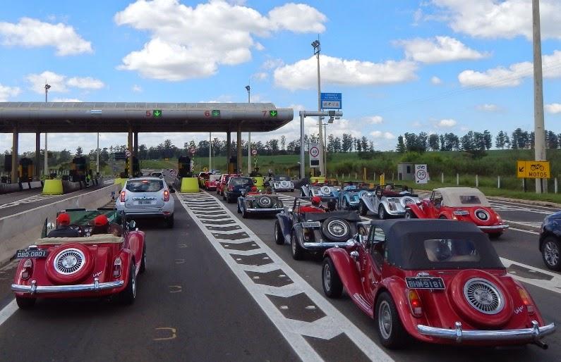 Nas praças de pedágio, deveriam pagar aos motoristas de MP por deixarem as estradas mais bonitas, mas as cobranças foram normais.