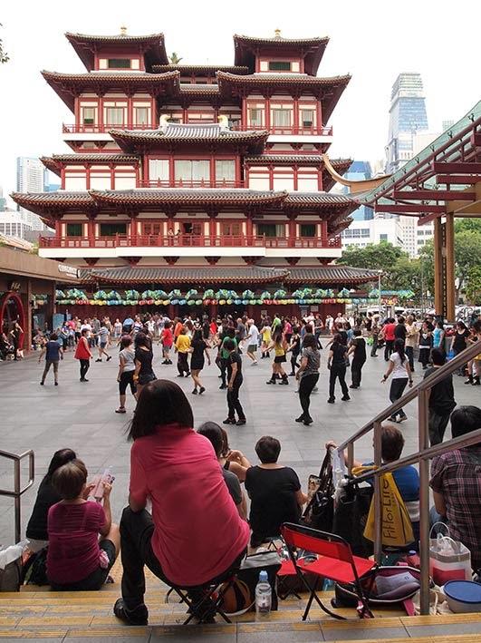 Line dancing - Kreta Ayer square