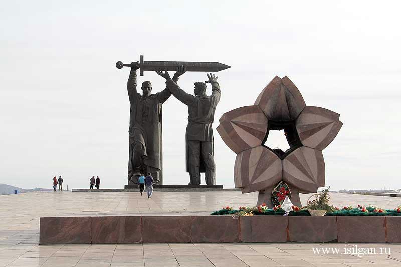 Памятники вов в магнитогорске памятники город ковров