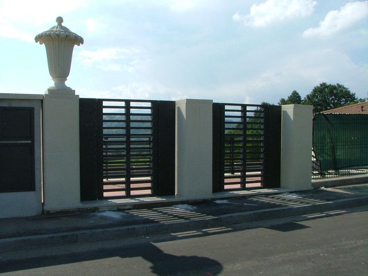 Cancelli moderni cancelli da esterno cancelli moderni for Recinzioni per ville moderne