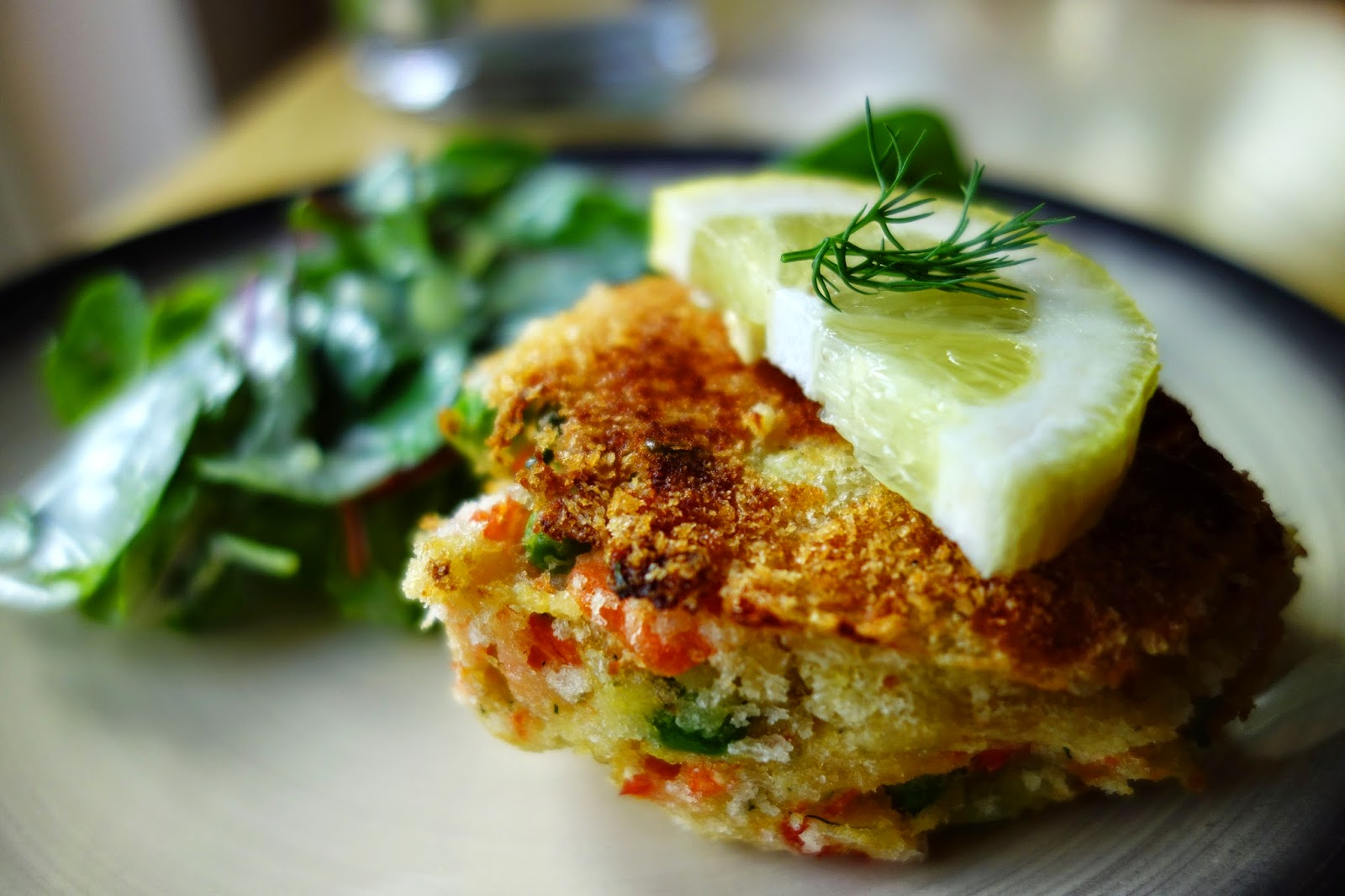 What Can You Put With Salmon Fish Cakes