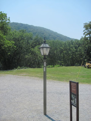 Lampost with two white blazes, signifying a turn on the AT at Harper's Ferry, WV