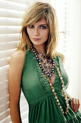 Mischa Barton HD Wallpaper for iPhone