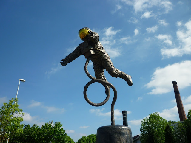 space man astronaut at leicester space centre via lovebirds vintage