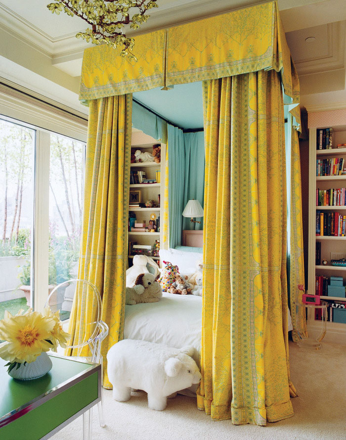Home decor 35 luxury bedrooms flaunting decorative canopy beds - Contemporary canopy bed for a royal room ...