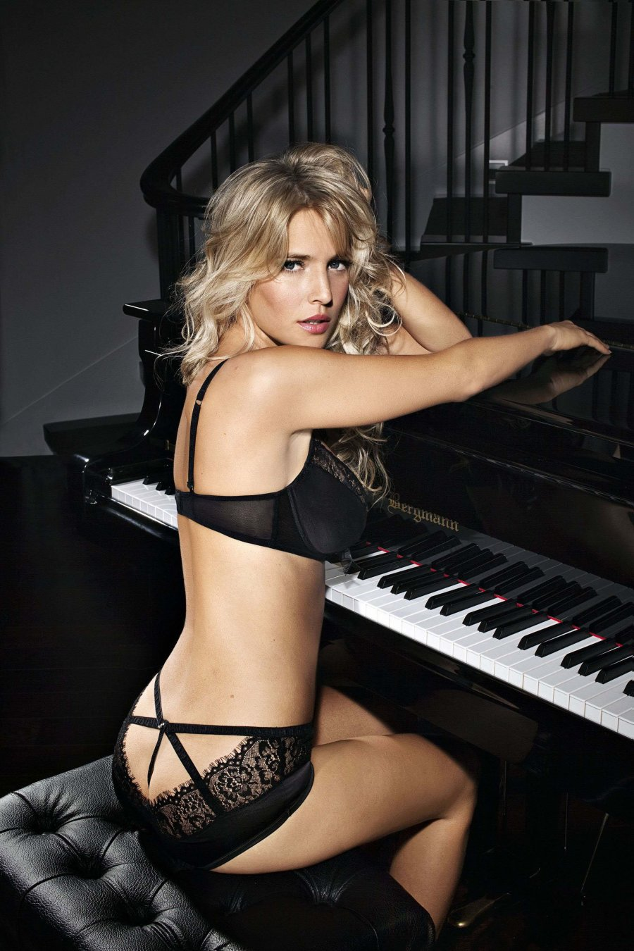 Luisana Lopilato Ultimo Lingerie Hot and spicy So sexy Hq