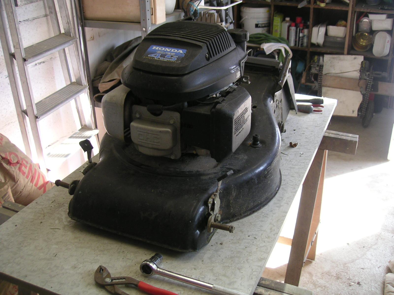 diy tondeuse rc lawn mower pr paration de la tondeuse et d montage. Black Bedroom Furniture Sets. Home Design Ideas