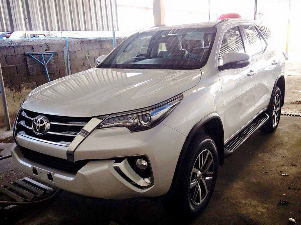 Toyota Hilux SW4 2016: fotos adicionais e especificações | CAR.BLOG