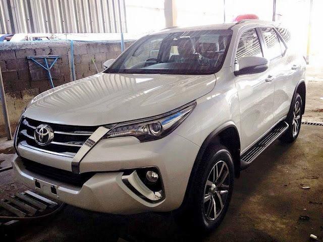 Nova Toyota Hilux SW4 2016 - Branca