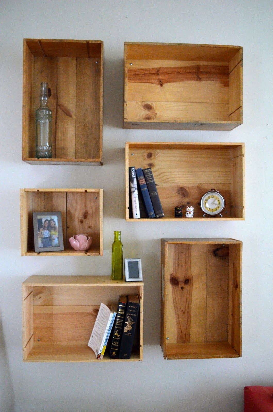 Grumpy When Hungry: Wine Crate Shelves DIY