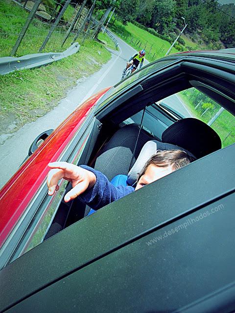 Passeio por La Calera com crianças. Perigos no trânsito. Rodízio de carros em Bogotá, pico e placa.
