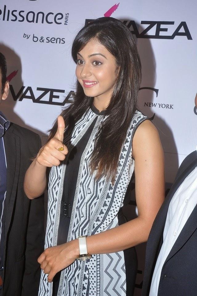 Rakul Preeth Singh Launches Divazea Store Photos