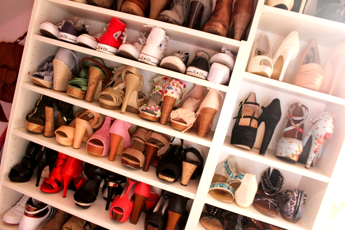 welcome to my closet shoes fashion kitchen. Black Bedroom Furniture Sets. Home Design Ideas