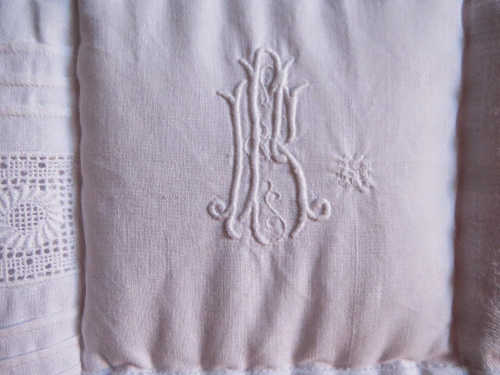 rose und lavendel monogramme jetzt mische ich mich auch ins gespr ch. Black Bedroom Furniture Sets. Home Design Ideas