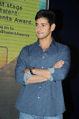 Mahesh Babu At Idea Student Awards-thumbnail-13