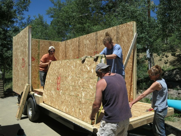 Structural insulated panels sips tiny house wee make for Sip home construction