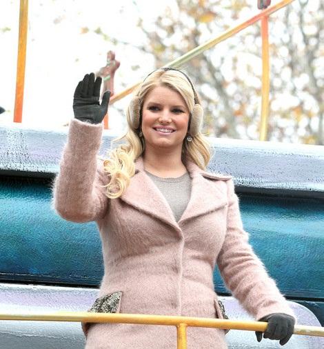 Top News In Pretty Jessica Simpson Pics 2011