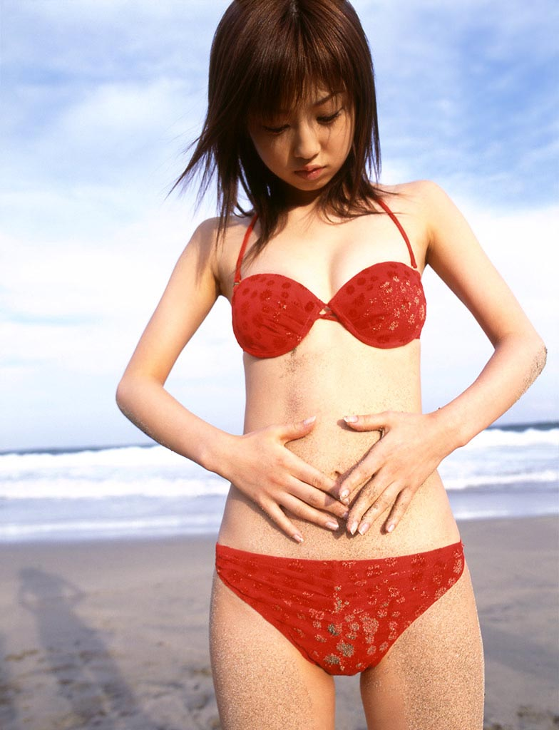 yuko ogura in red bikini photo 03