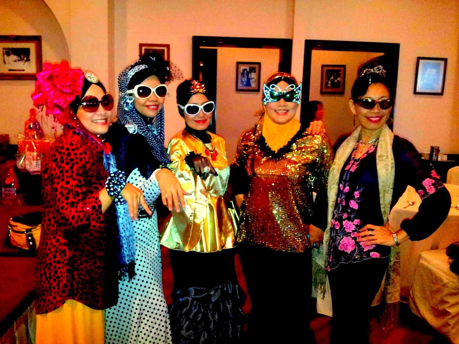 Retro fashion for muslimah