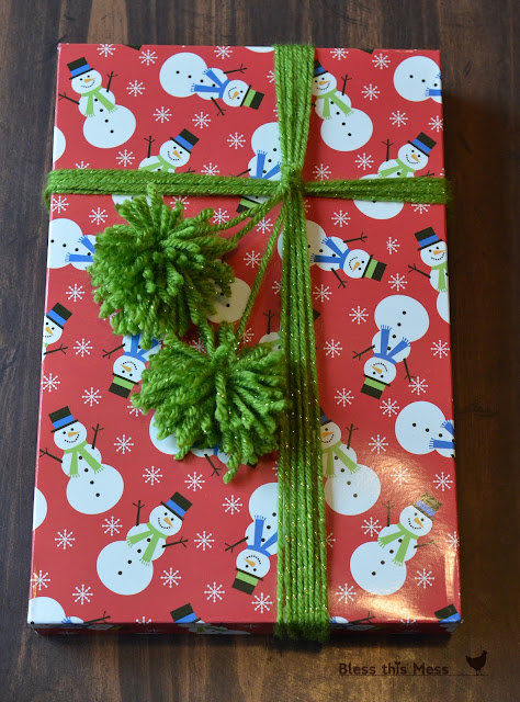 gift wrapping with yarn, how to make yarn pompoms, yarn for presents