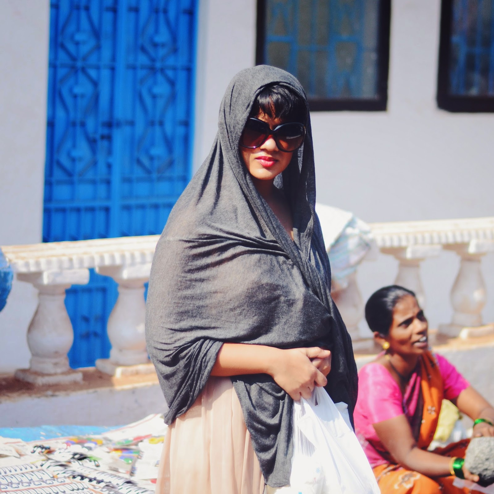 sunglasses, red lips, head scarf, scarf, goa, shopping, errands, homeland, carrie, outfit, lookbook,