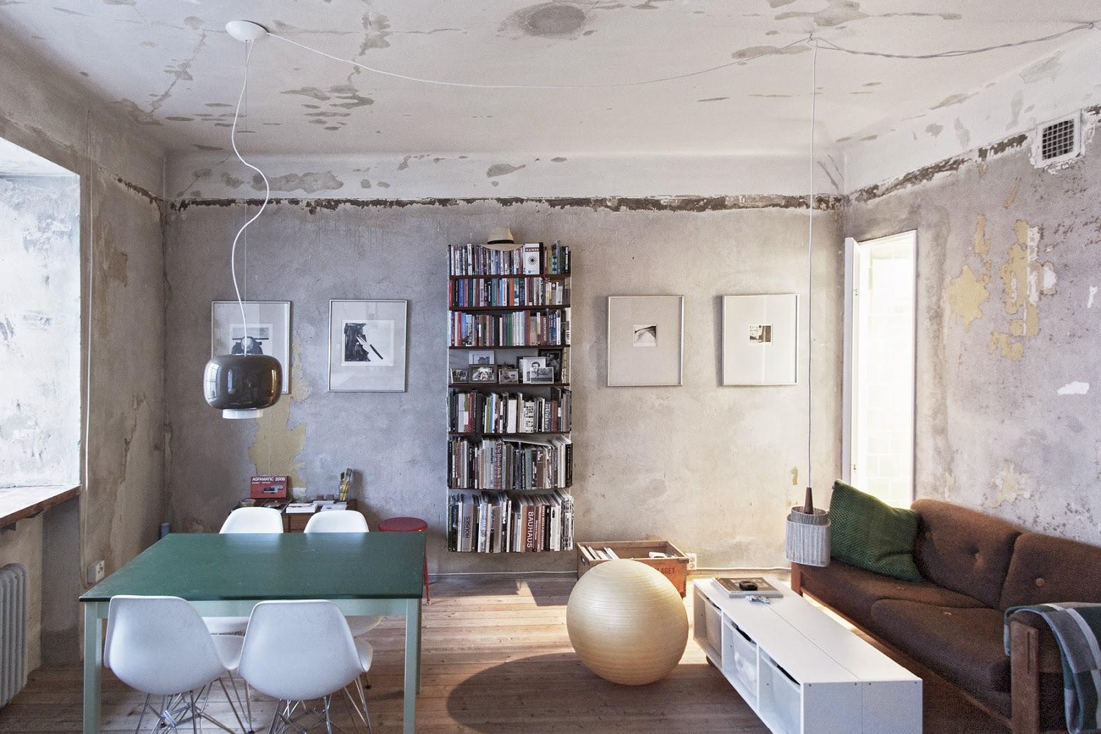 Minimalistisch kompakt in Stockholm wohnen und leben: Möbel selbermachen für mehr Ordnung
