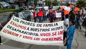 MUNDO: Padres de normalistas piden investigar a militares