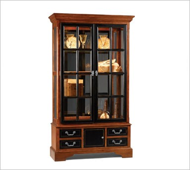 Curio cabinets from for Curio cabinet spot