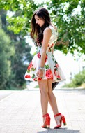 http://www.petitsweetcouture.com/2013/07/romantic-dress.html