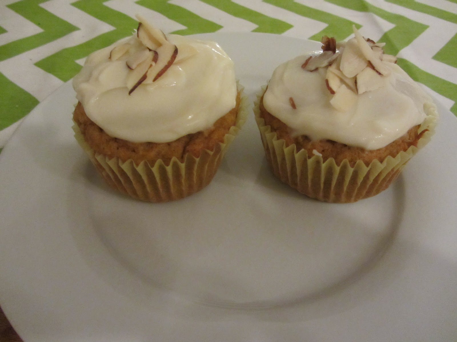 Kelly Craves Pumpkin Cupcakes With Maple Cream Cheese