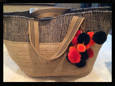 My Midlife Fashion Pom pom keyring DIY, Mango Jute Bag