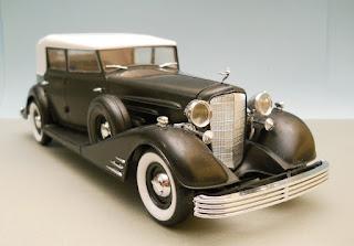 coche a miniatura cadillac del 1933