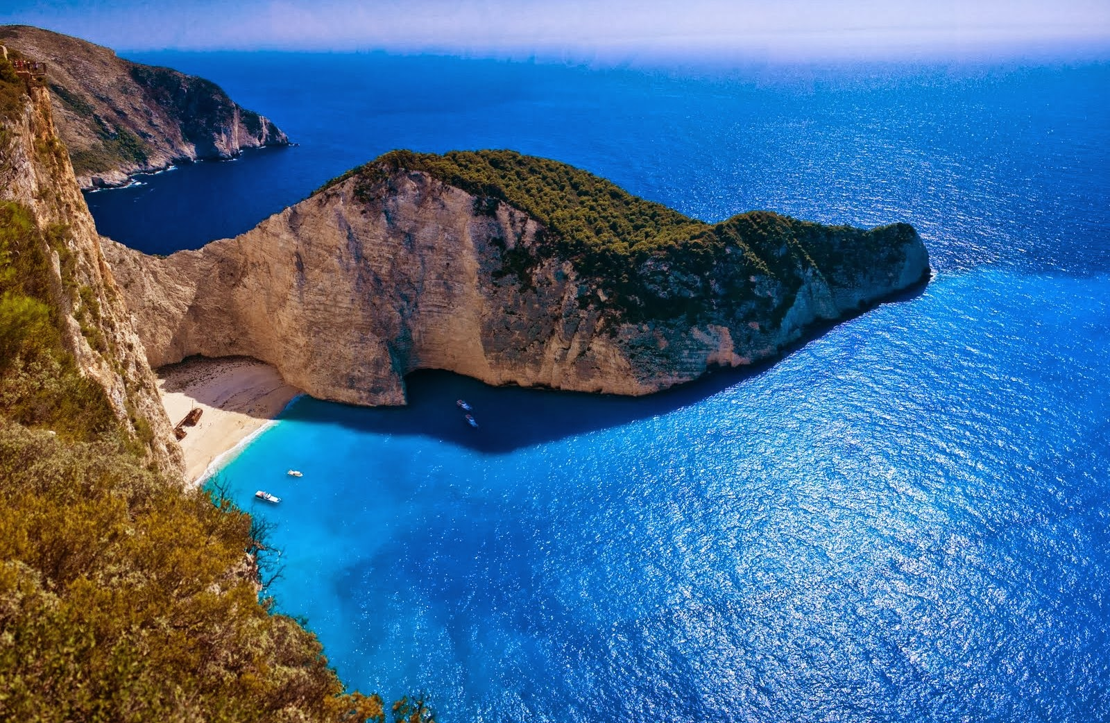 World Visits: Navagio Beach - Greece, Tour Of Europe