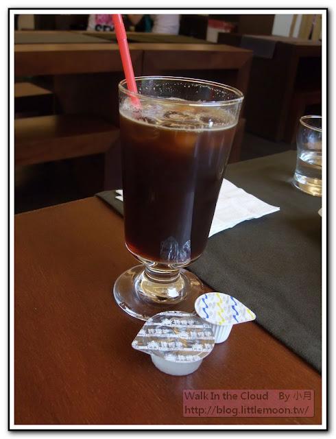 義式淡咖啡與糖球奶精球