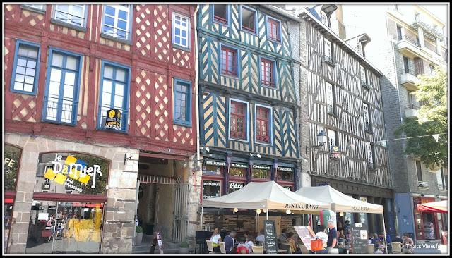 Rennes Place sainte Anne maison colombage Bretagne, bar le Damier Rennes place sainte Anne