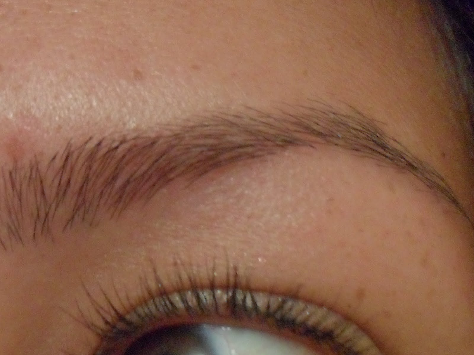 M I N N I E M A K E U P Thread Bare My Eyebrow Threading Experience