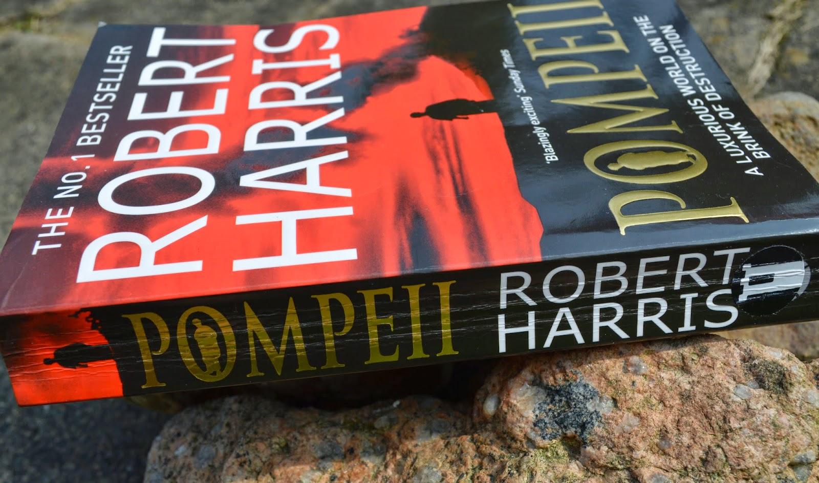 Pompeii, Robert Harris, Pompeii, Roman, historical fiction, aqueduct, Marcus Attilius, UK edition, paperback, book review, literature,