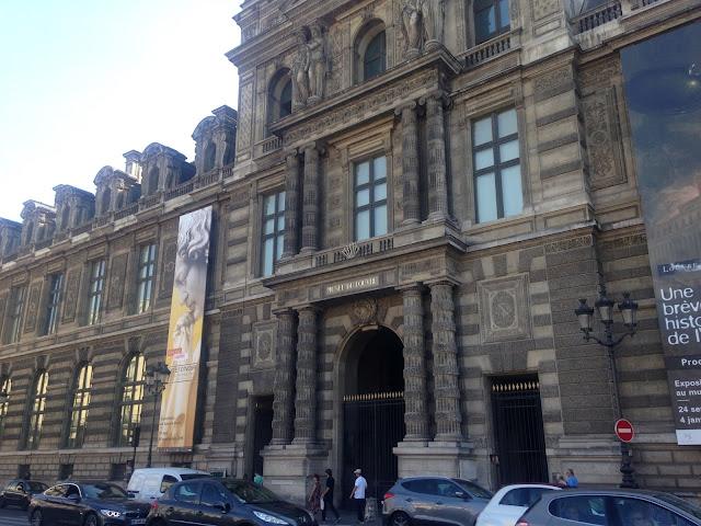 France Paris holiday louvre museum mona lisa architecture