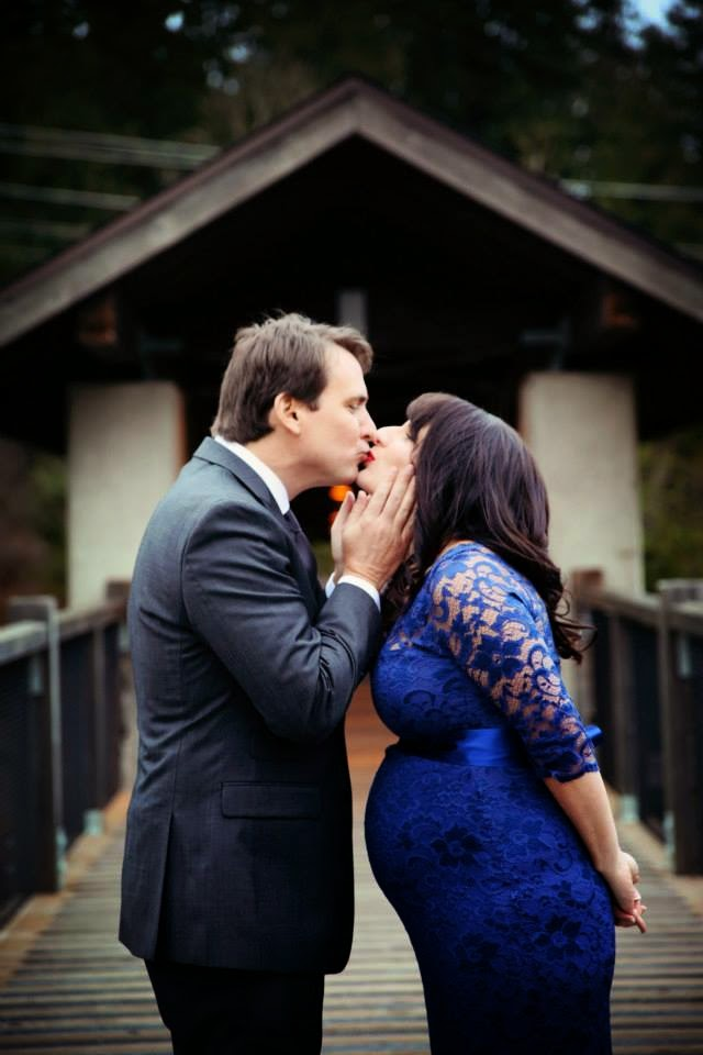 Darrell & Robyn share a wedding kiss - Kent Buttars, Seattle Wedding Officiant