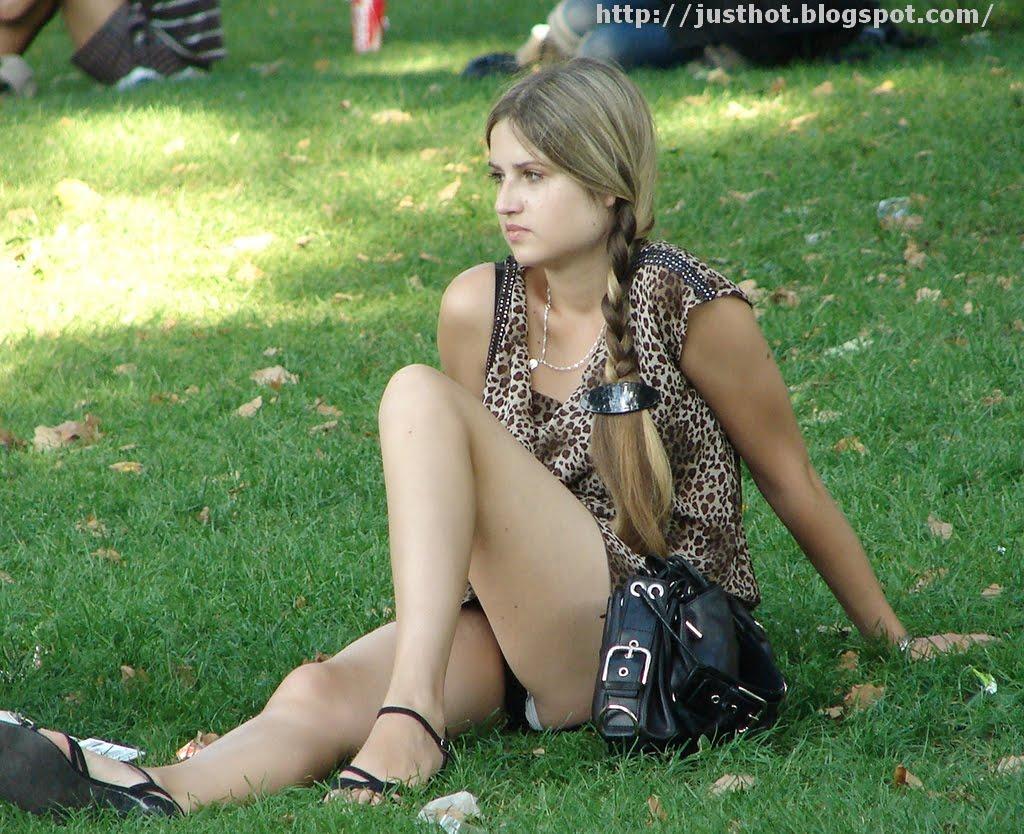 girlfriend naked in public