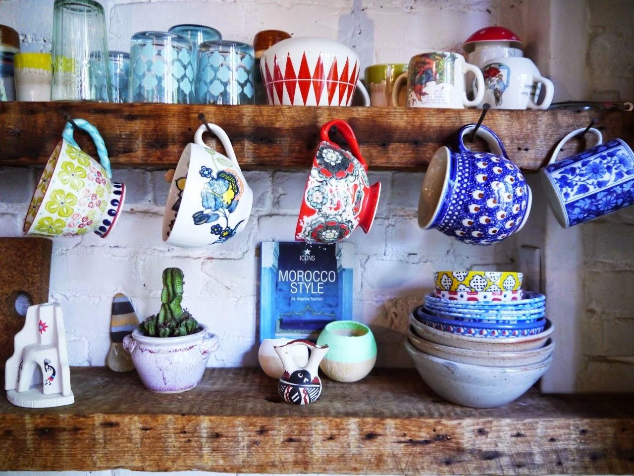 Eclectic+brooklyn+home+art+design+interior+kitchen+shelves+inspiration