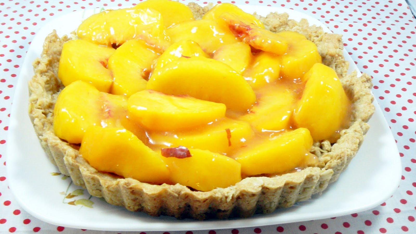 The Twisted Kitchen: Peach Crisp Tart