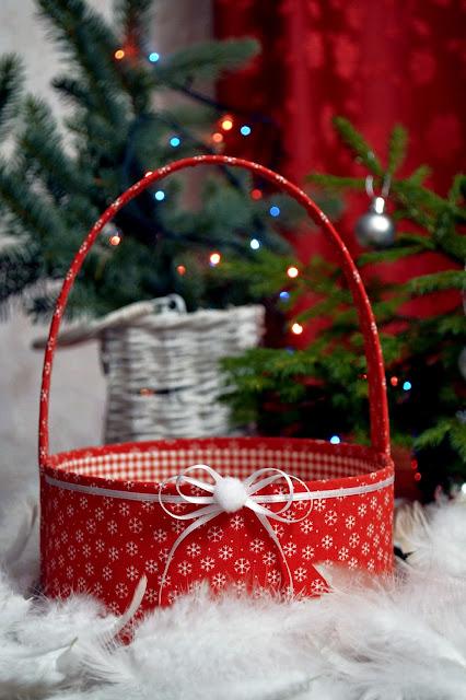 Корзина для новогодних подарков.