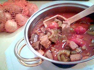 Muckalica: Balkangryta med kött och grönsaker