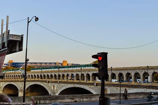 "Bridge Tolbyak ""Pont de Tolbiac""."